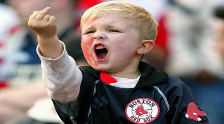 Red Sox Fan Gives Chris Davis the Middle Finger After Hitting 9th Inning Home Run [Video]