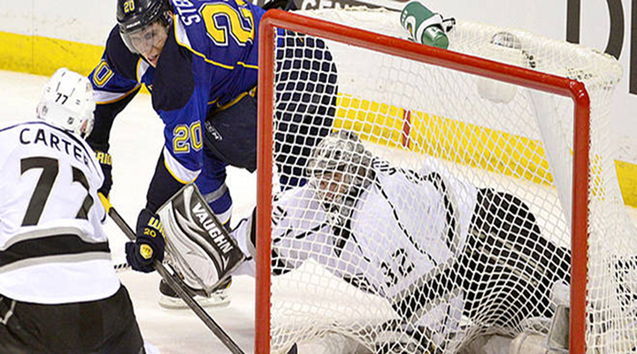 Kings Goaltender Jonathan Quick Blows Game 1 Against Blues with Costly Turnover [Video]