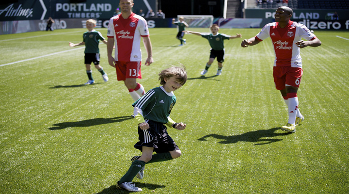 Portland Timbers Play a Match Against 8-Year Old Soccer Kid With Cancer as Part of Make-A-Wish [Video]