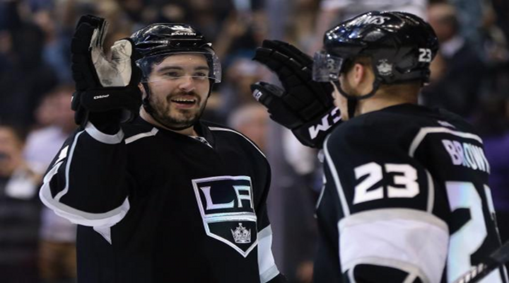 Kings Stun Sharks in 3rd Period with Back-to-Back Goals, Take 2-0 Series Lead [Video]