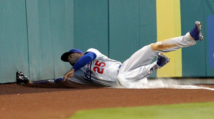 Carl Crawford Slid and Crashed Into the Wall While Making One of the Best Catches This Season [Video]