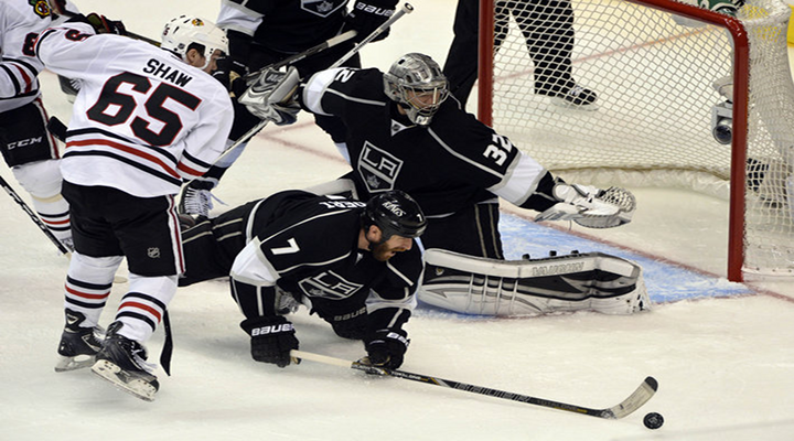 Quick Comes Up With HUGE Saves Late: Kings Beat Blackhawks 2-1 to Crawl Back into Series [Video Highlights]