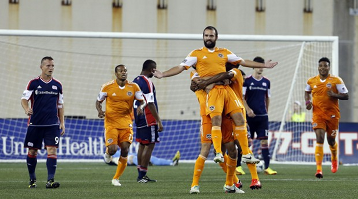 Adam Moffat Scored An Unbelievable Volley Goal For Houston Dynamo [Video]
