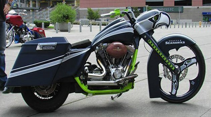 "Seahawks Fans Custom Motorcycle & ""Bussell Wilson"" Mobile Puts All Other Vehicles to Shame"