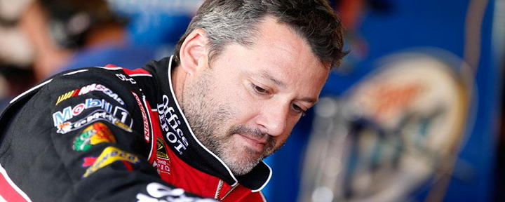Tony Stewart: NASCAR's Superstar Breaks Leg During Sprint Car Crash, Will Undergo Surgery