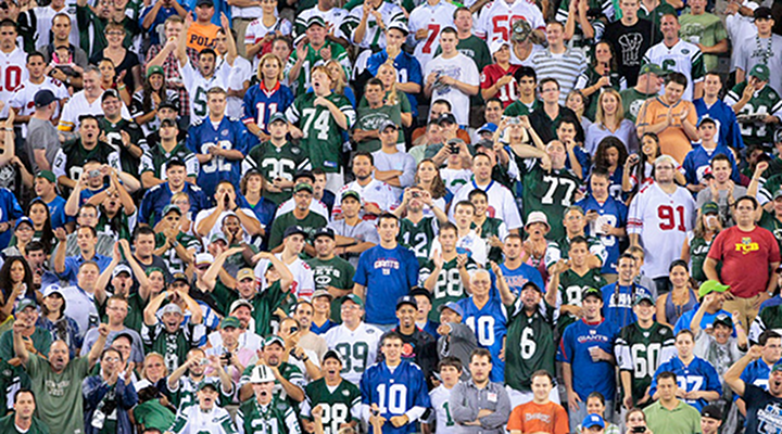 New York Jets & Giants Fans – Male and Female – Brawl in Metlife Stadium Upper Deck [Video]