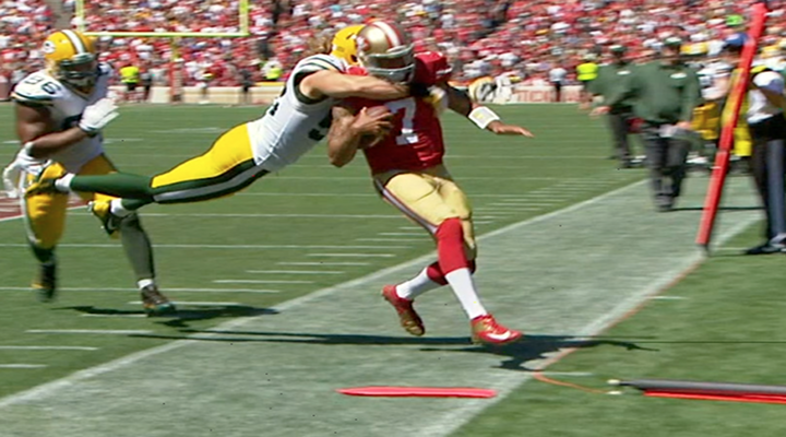Clay Matthews Took Out Colin Kaepernick on a Diving Clothesline Tackle in Heated NFC Showdown [Video]