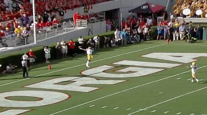 LSU WR Odell Beckham Makes Ridiculous One-Handed Catch on a Kickoff [Video]