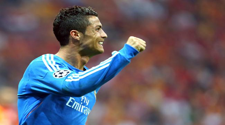 Cristiano Ronaldo Caps Hat Trick vs. Galatasaray with Eye-Popping Stepover Moves [Video]