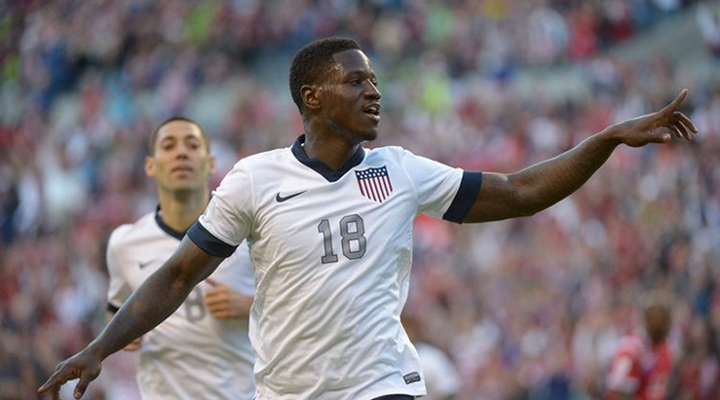 World Cup Qualifying: Eddie Johnson & Landon Donovan Both Score Goal as the USMNT Downs Mexico 2-0 [Video]