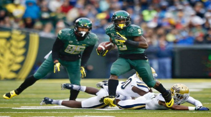 Oregon Jumps to No. 2 in the BCS Standings After Throttling UCLA [Compete BCS Rankings]