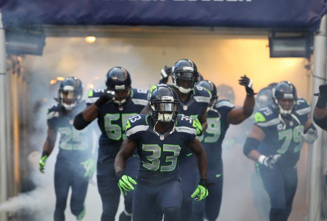 hi-res-153121275-seattle-seahawks-take-the-field-before-the-monday-night_crop_north