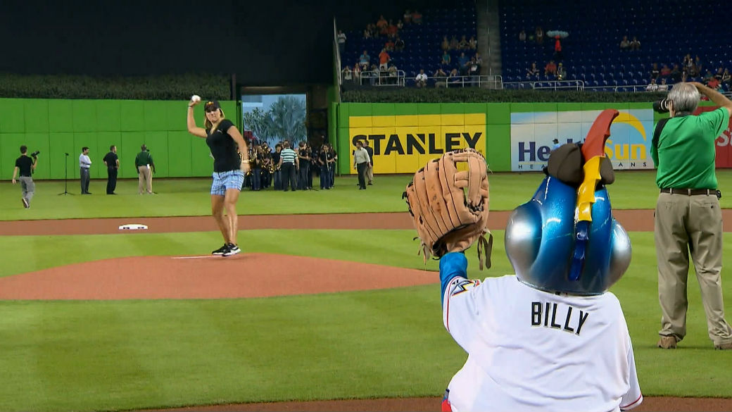 lexi_thompson_marlins_pitch