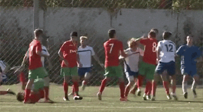 soccer-fight-flying-kick