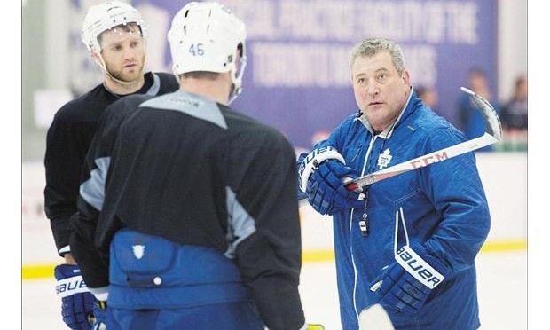 Maple Leafs Interim Coach Falls On Ass During First Official Practice [Video]